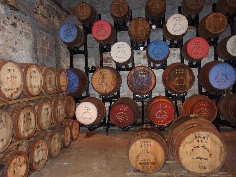 これは観光客用に展示されている樽のサンプル